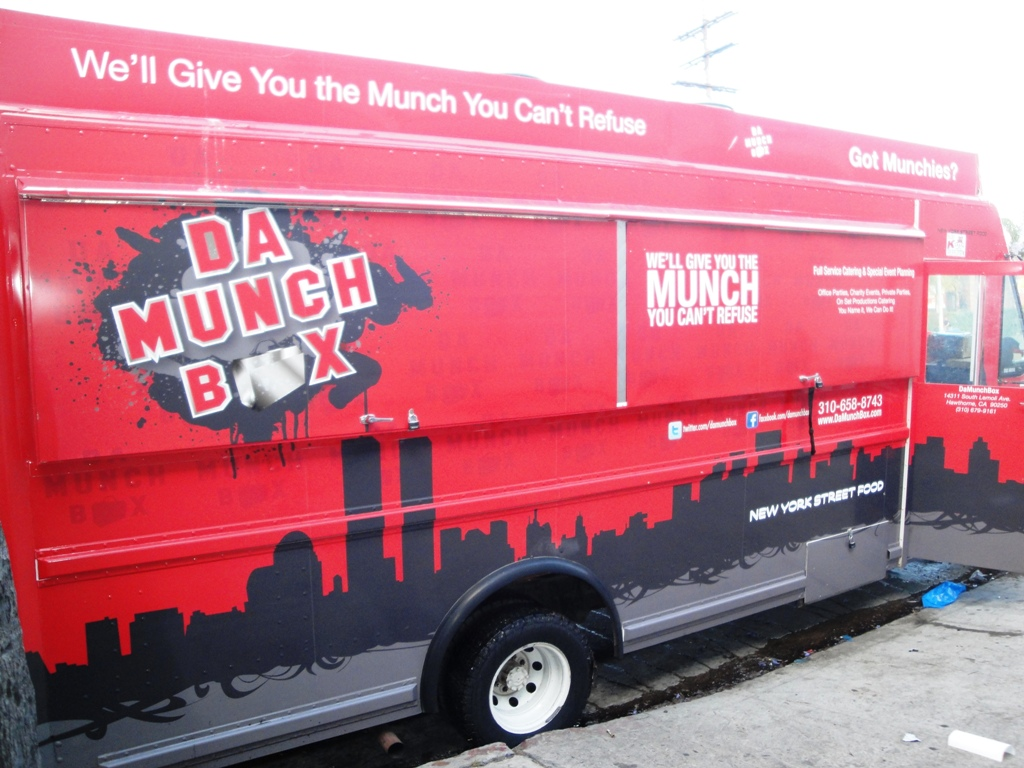 Da munch box food truck by kareem carts for Design your own food truck online