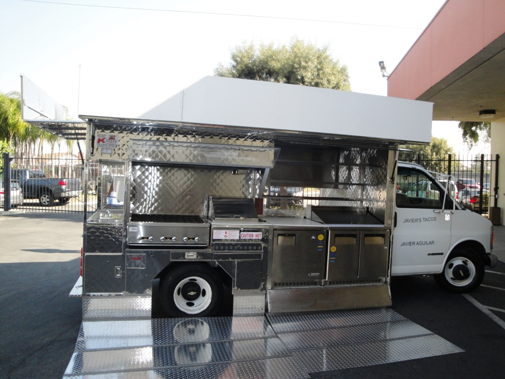 Grilling Cart Mounted On A Truck By Kareem Carts