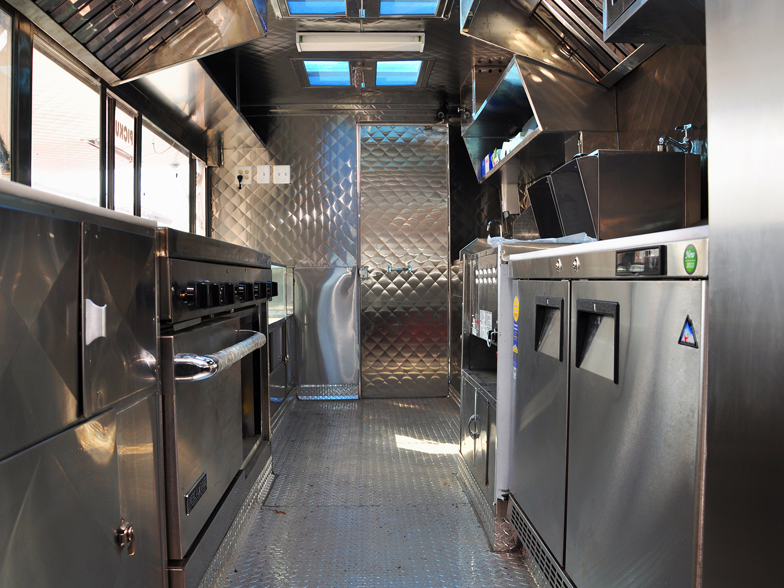 Used Food Truck For Sale >> inside 2 - Kareem Carts Commissary & Manufacturing, Co.